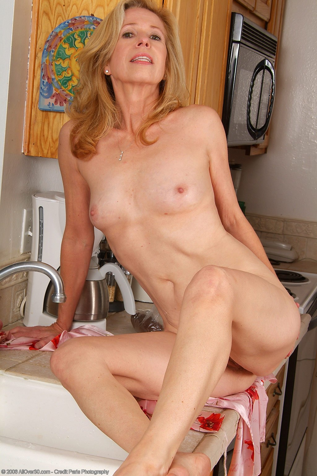 Blonde Small Tits Mommy-7264